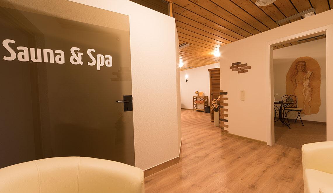 relaxhotel tannenhof wellnessbereich. Black Bedroom Furniture Sets. Home Design Ideas